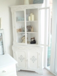 shabby chic corner unit, chicken wire